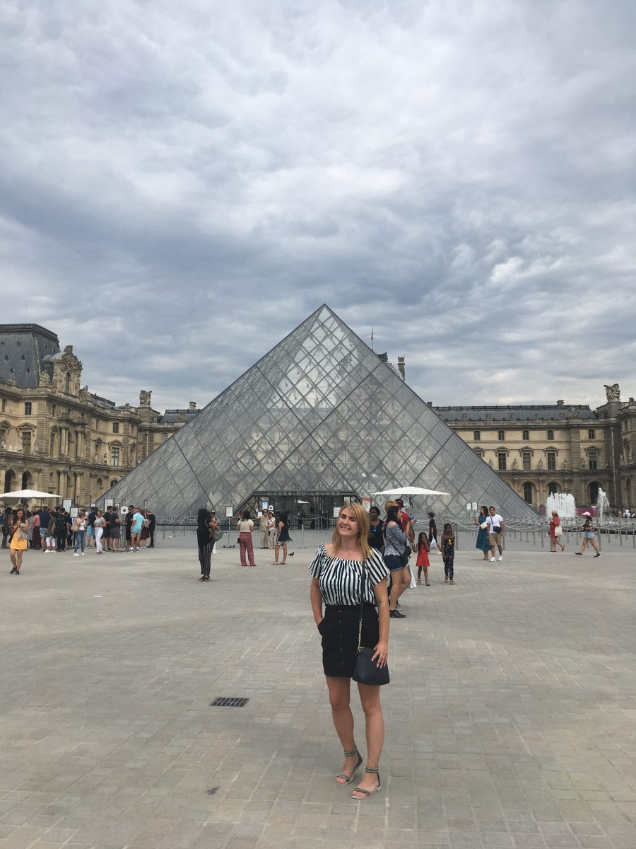 Pariisi Marika Louvre