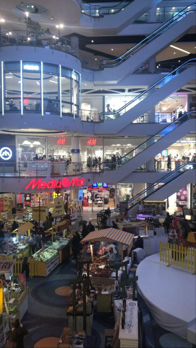 puola ostoskeskus rajoitus